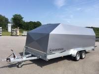 Täckt biltransporter med aluminiumkåpa 125cm  inv höjd 173 cm