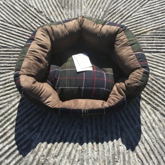 Barbour, tartan wool/suede dog bed