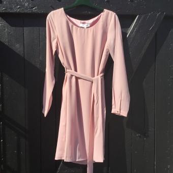 Dry Lake, magic belt dress