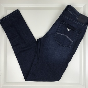 Armani, jeans