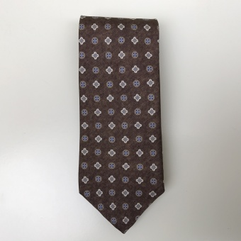 Stenströms, Silk tie with medallion pattern