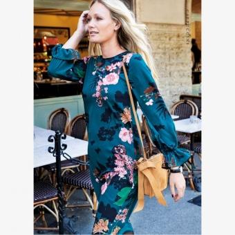 10 Jolie print dress