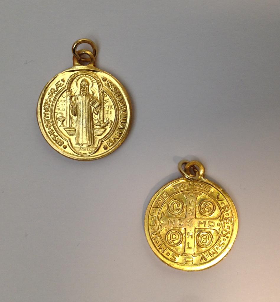 Benedictus-medalj, guldfärgad, 20mm