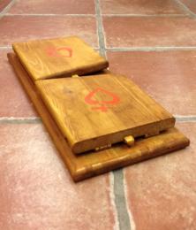 Bönepall Lilla Thérèse, hopfällbar m rött kors-hjärta v 1.0