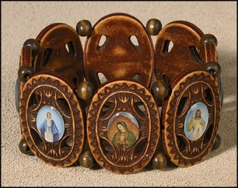 Helgon-armband, utsirat, trä