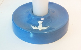 Dopljusstake Helige Ande, keramik