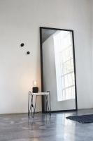 svart stor spegel