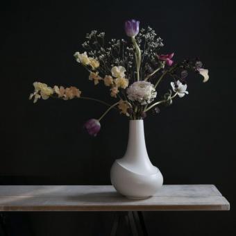 AEO Vase Dance White Matte