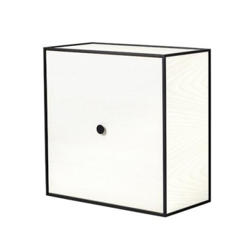 By Lassen Frame Sideboard 42 med dörr vitbetsad ask
