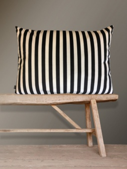 Vanilla Fly Kudde Black Creme Stripe