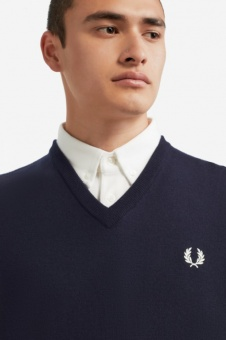 Classic Merino V-Neck Jumper carbon