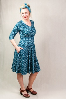 STINA 3/4 sleeve dress shades of blue