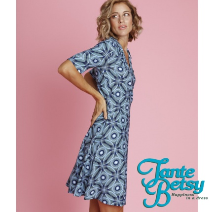 Tante Betsy - happiness in a dress