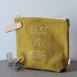 Sminkväska - Less Is More
