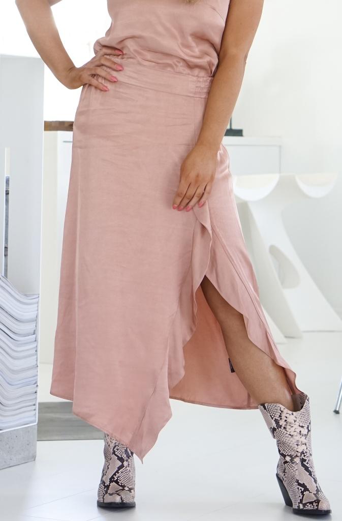 ALIX THE LABEL - Satin Skirt
