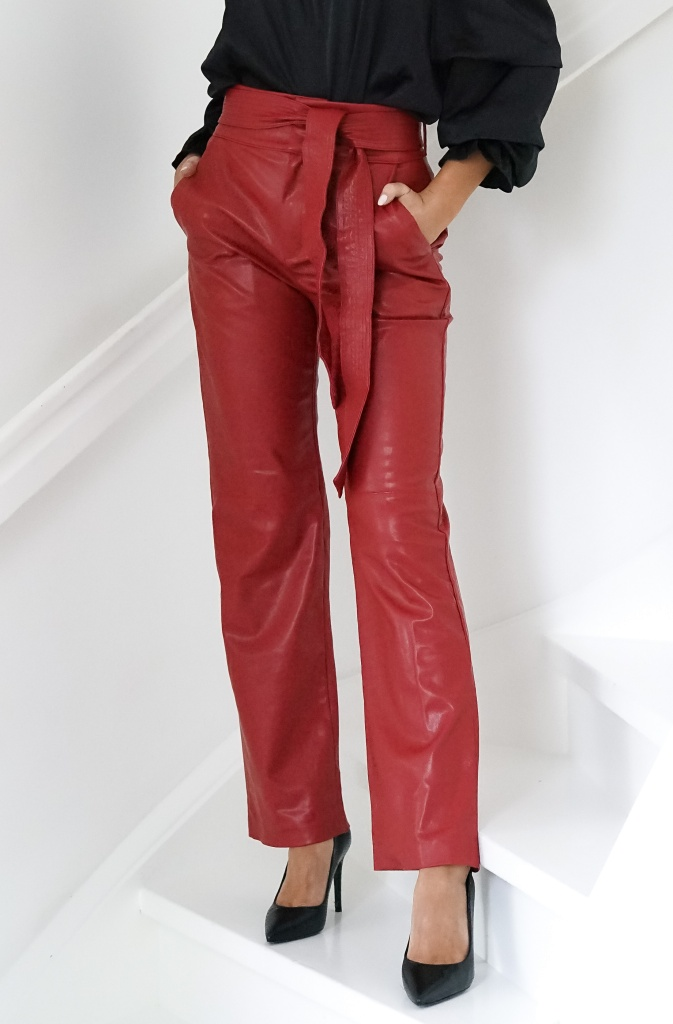 NA-KD - Faux Leather Belted Straight Leg Pants