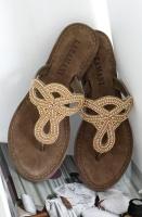 LAZAMANI - Vacker sandal med Stenar