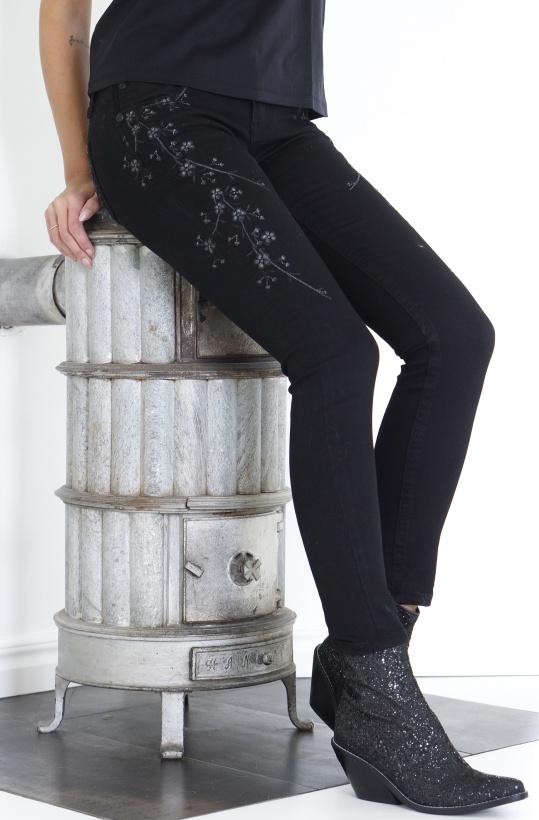 GRACE - Black Flower Jeans
