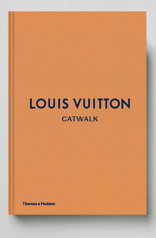 NEW MAGS - LV CATWALK
