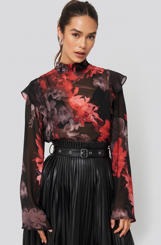 NA-KD - Wide Sleeve Frill Blouse