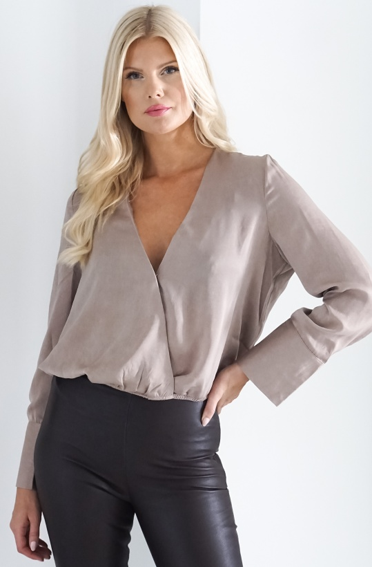 NA-KD-Wrap Satin Blouse