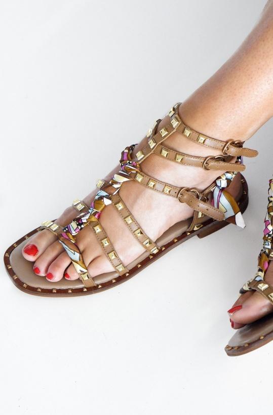 PEDRO MIRALLES - Sandal med nitar och tyg