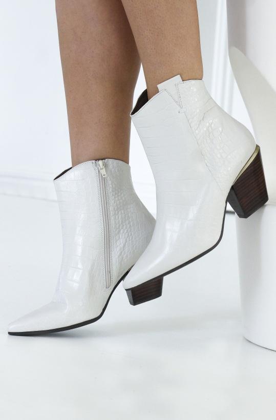 PEDRO MIRALLES - Boot med inlägg på Klack