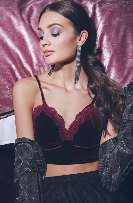 RUT & CIRCLE- Velvet Lace Short Top