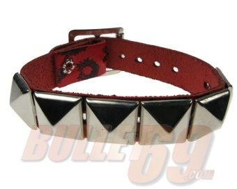 1 ROW PYRAMID ON LEOPARD PRINT LEATHER WRISTBAND
