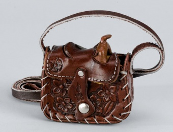 Leather Saddle Change Purse Cocolate