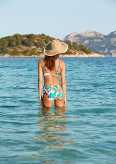 Damella bikiniunderdel med uppvikbar kant
