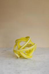 Knot Yellow