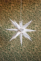 Moravia Star White 60cm