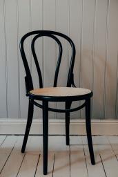 Stol TON No.18 Svartbets/Flätad Sits