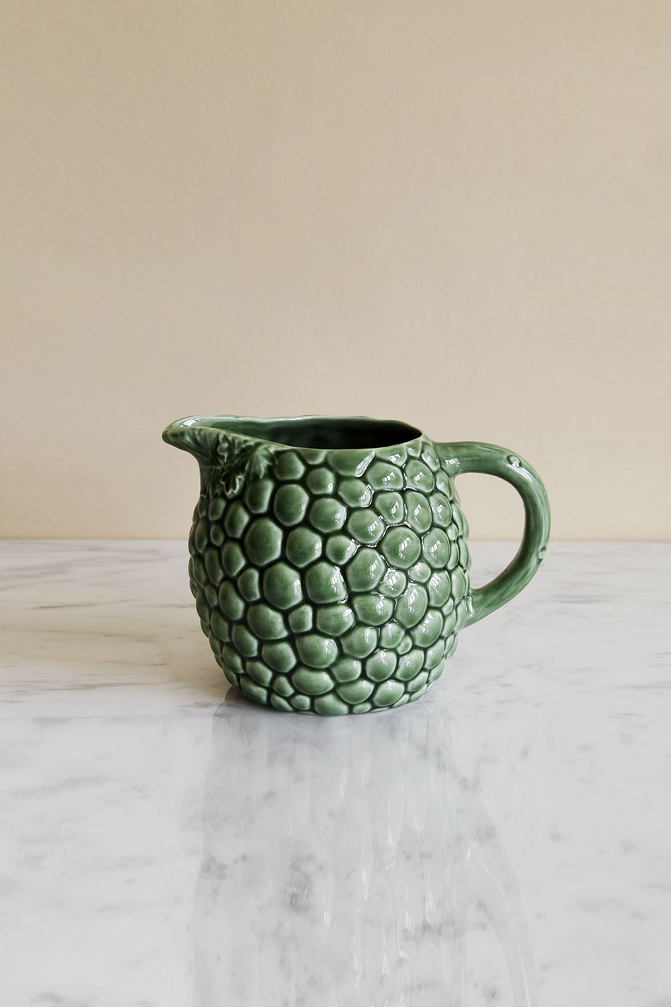 Pitcher Grapes Green