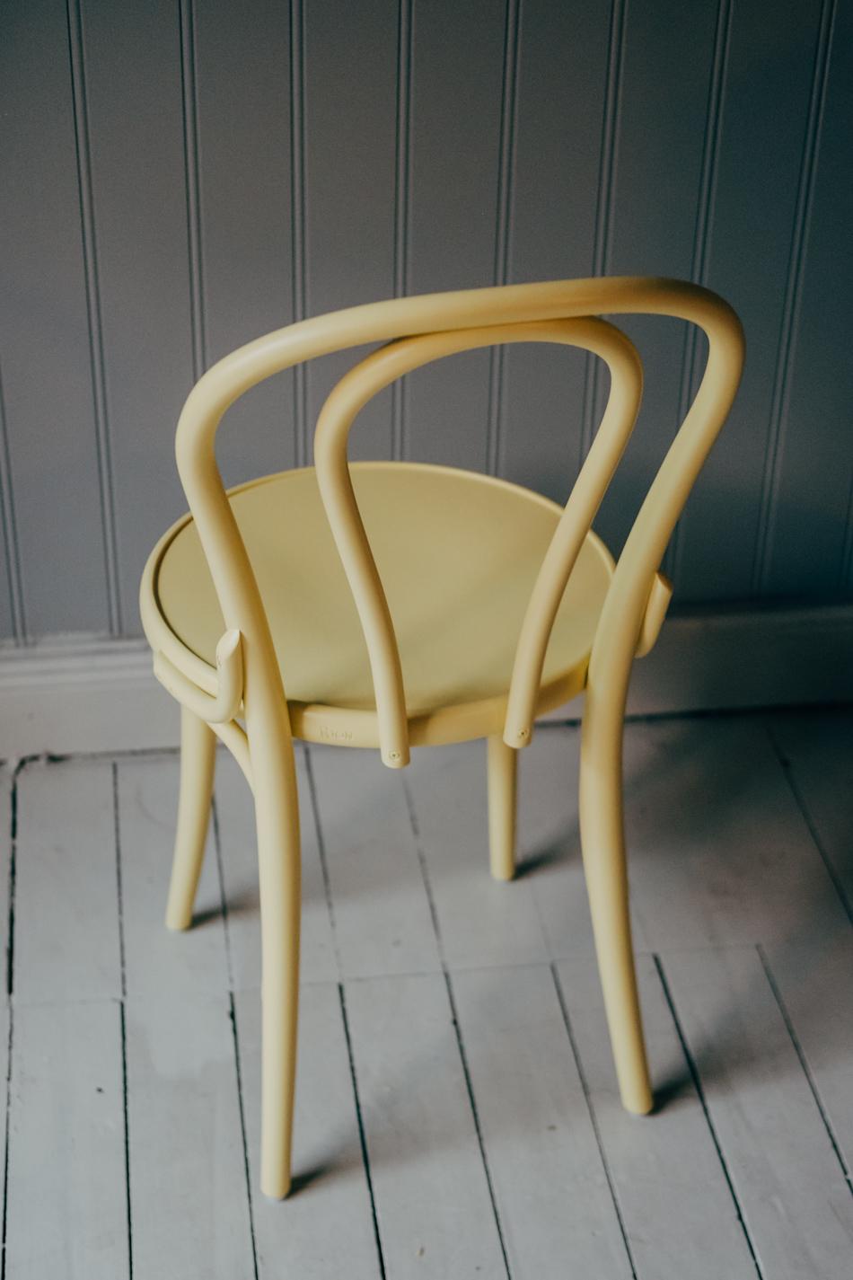 Stol TON No.18 Pale Yellow