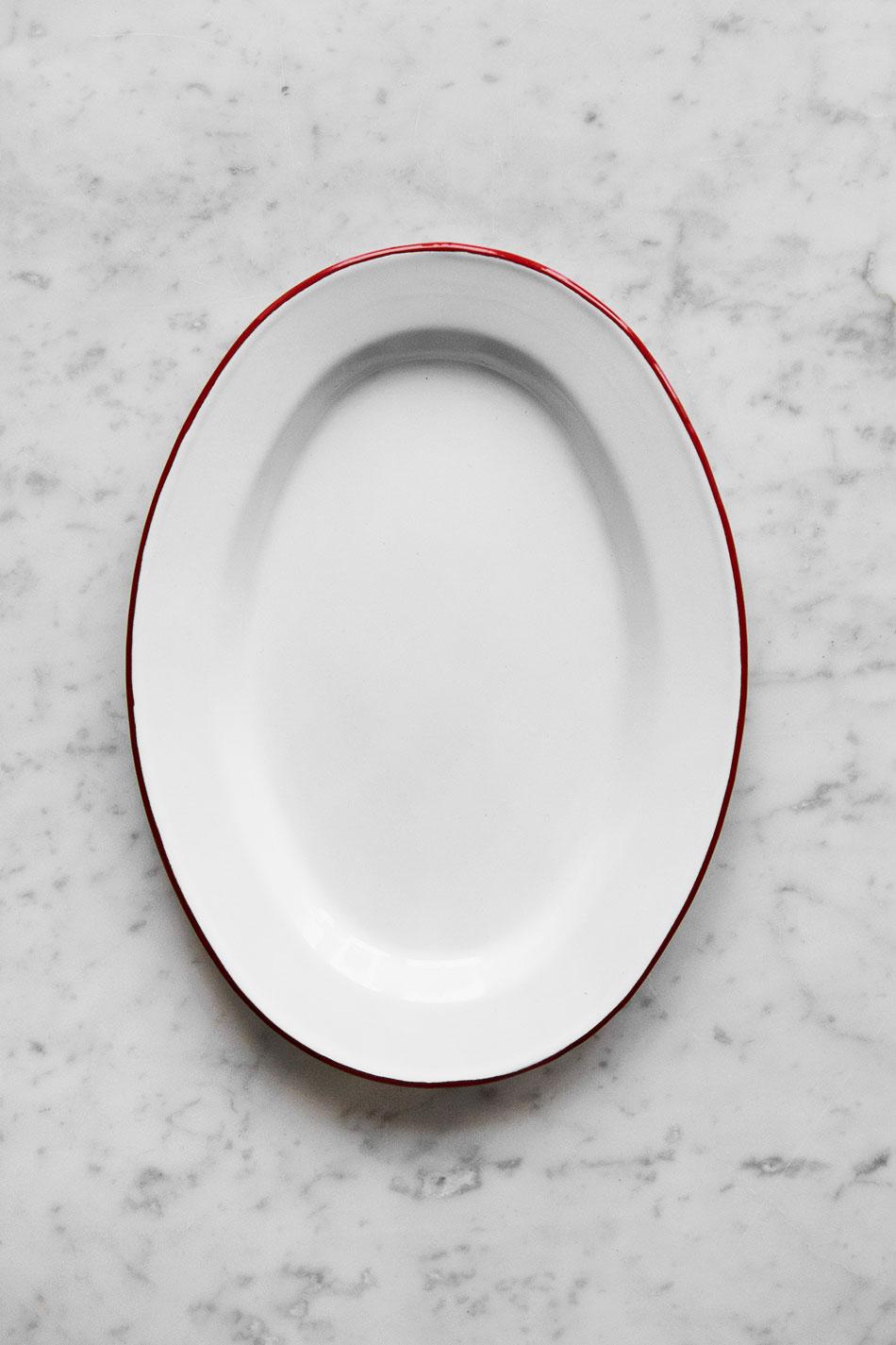 Ovalt Upplaggningsfat Emalj Röd
