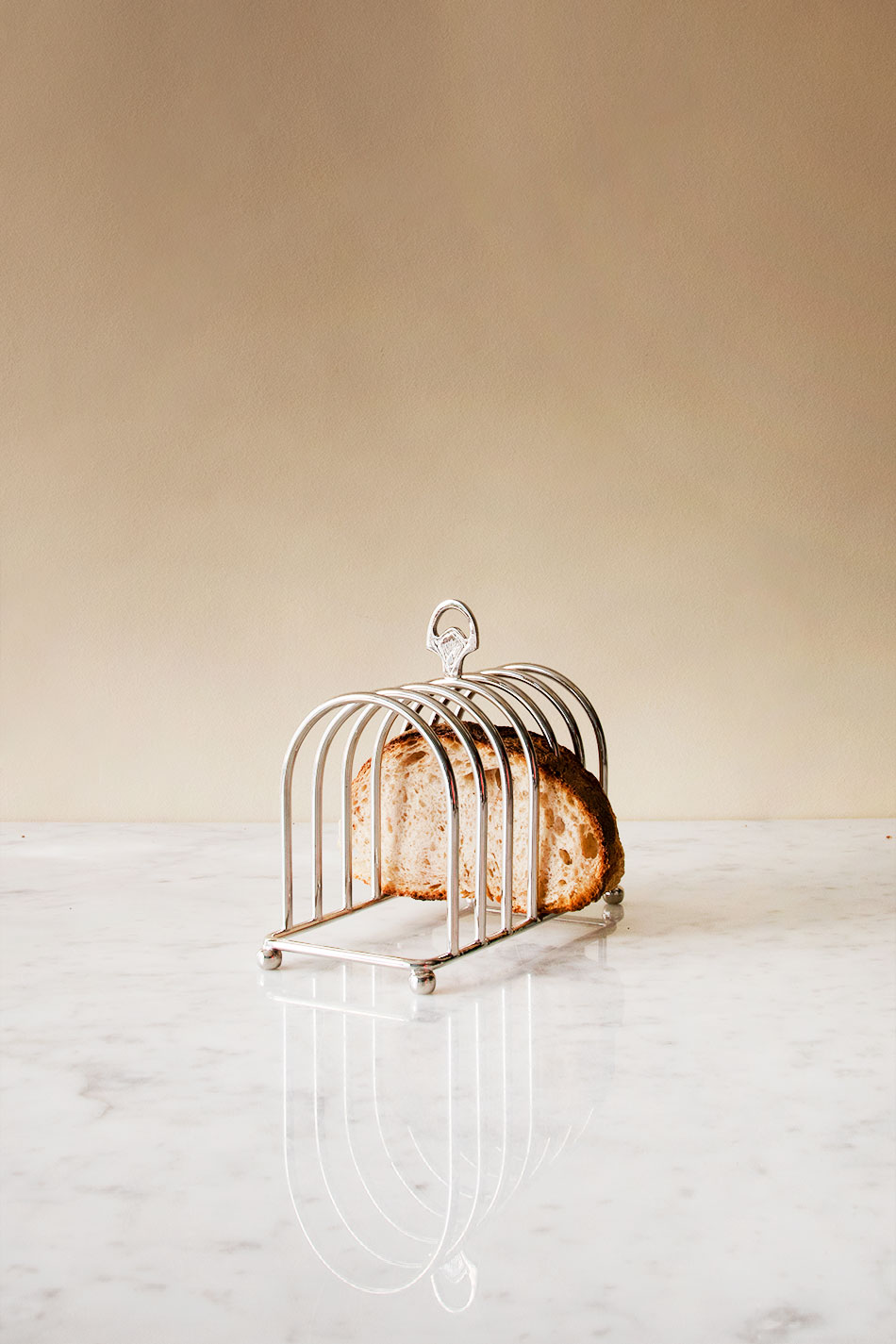 The Hotel Toast stand