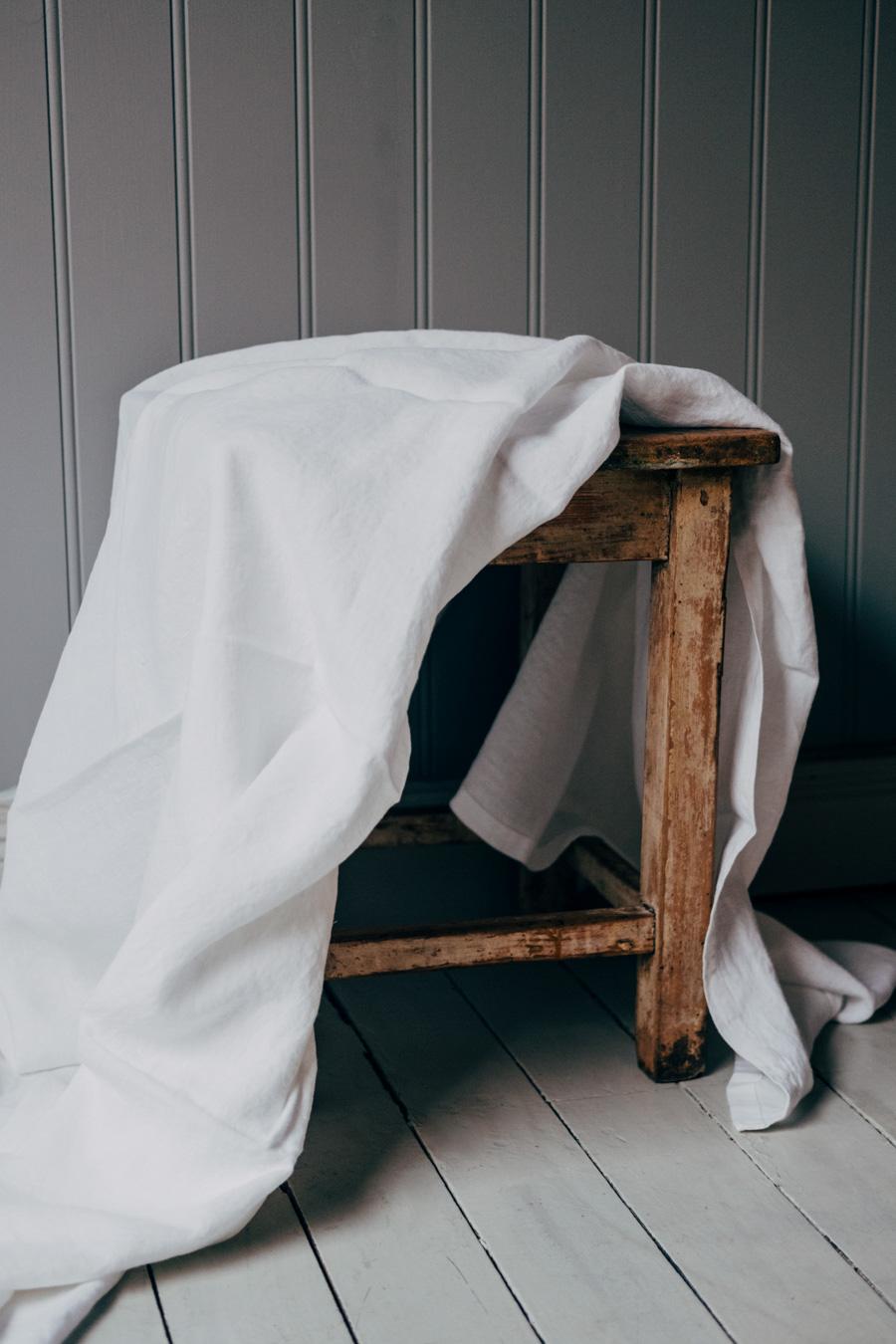Linneduk White 140x140 cm