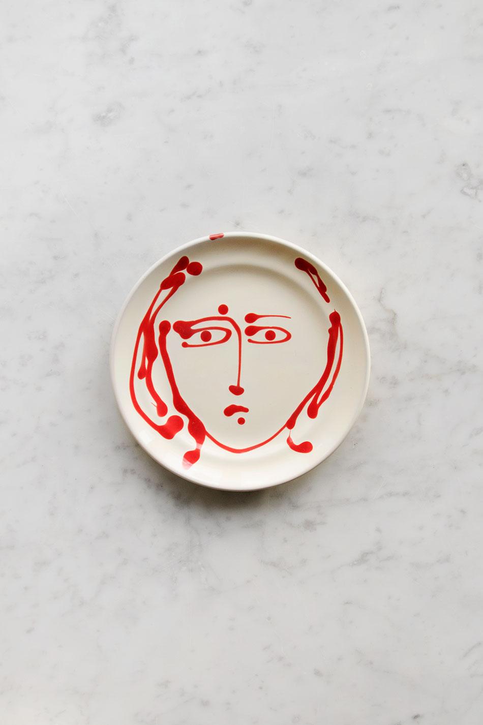Assiett Face Red
