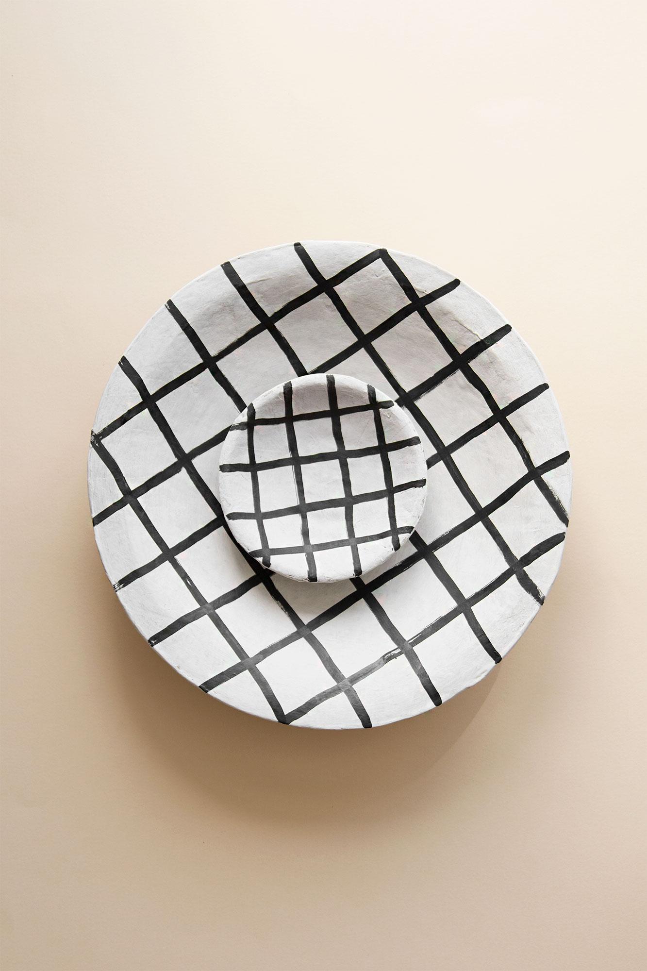 Isa Papier Mache Plate Liten