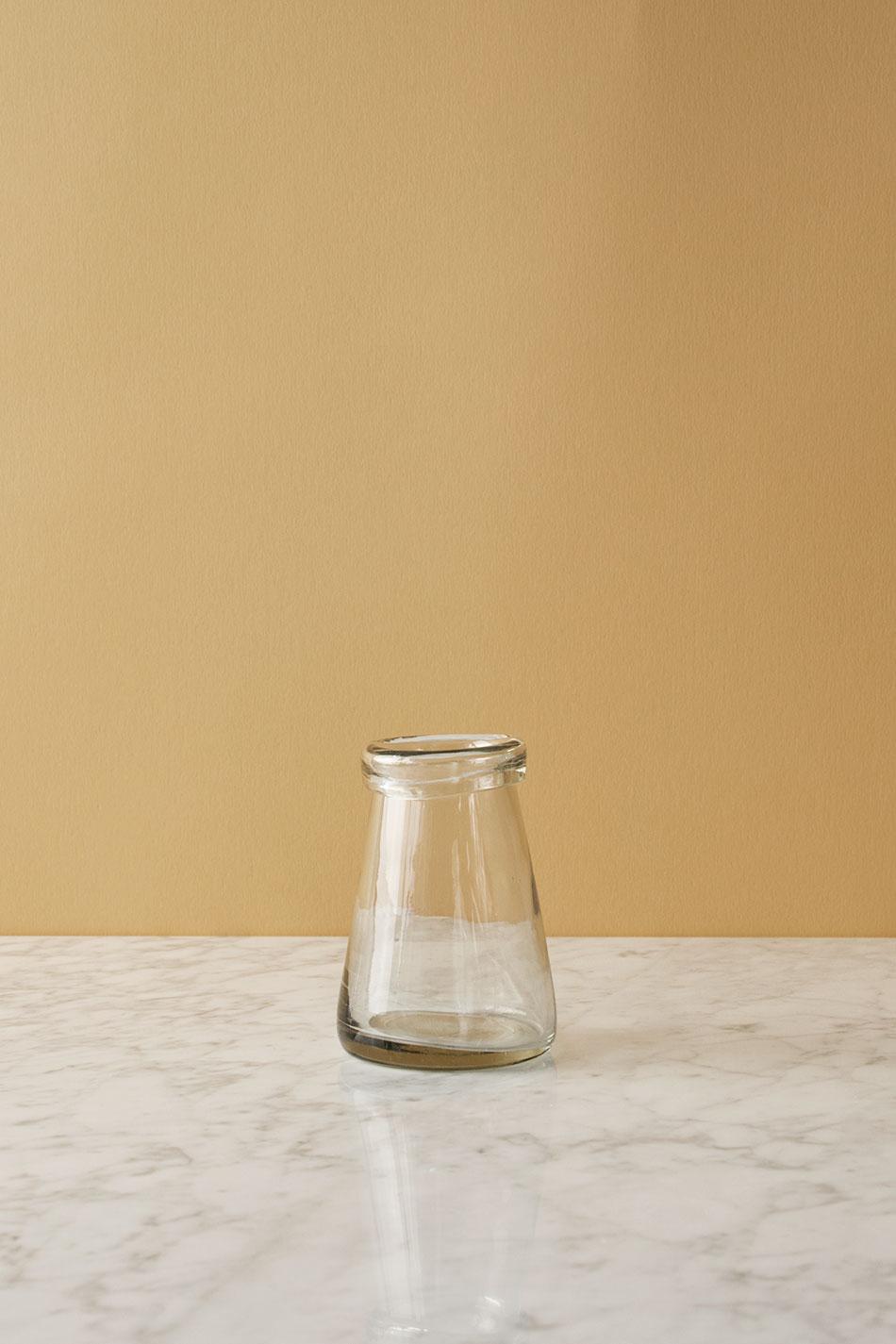 Vas i Handblåst Glas Med Kant