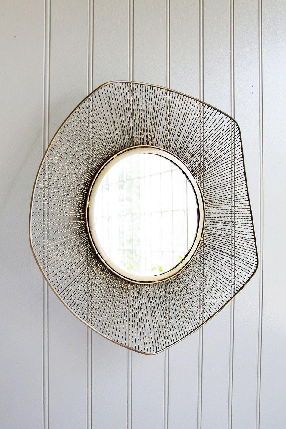 Wall Mesh Mirror Stream