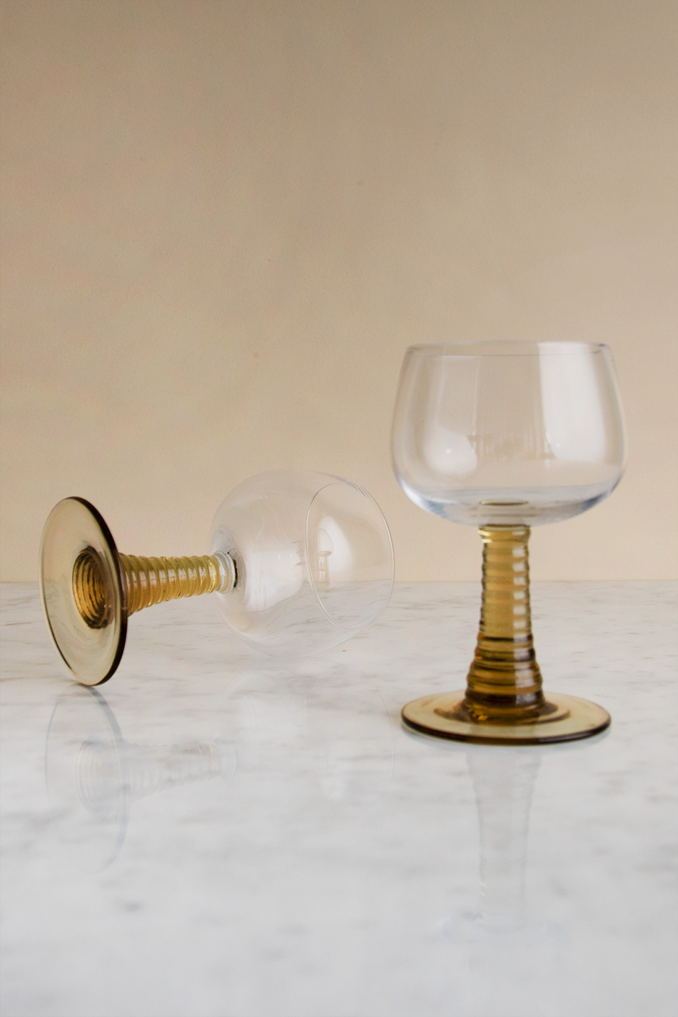 Swirl Wine Glass Olive Green