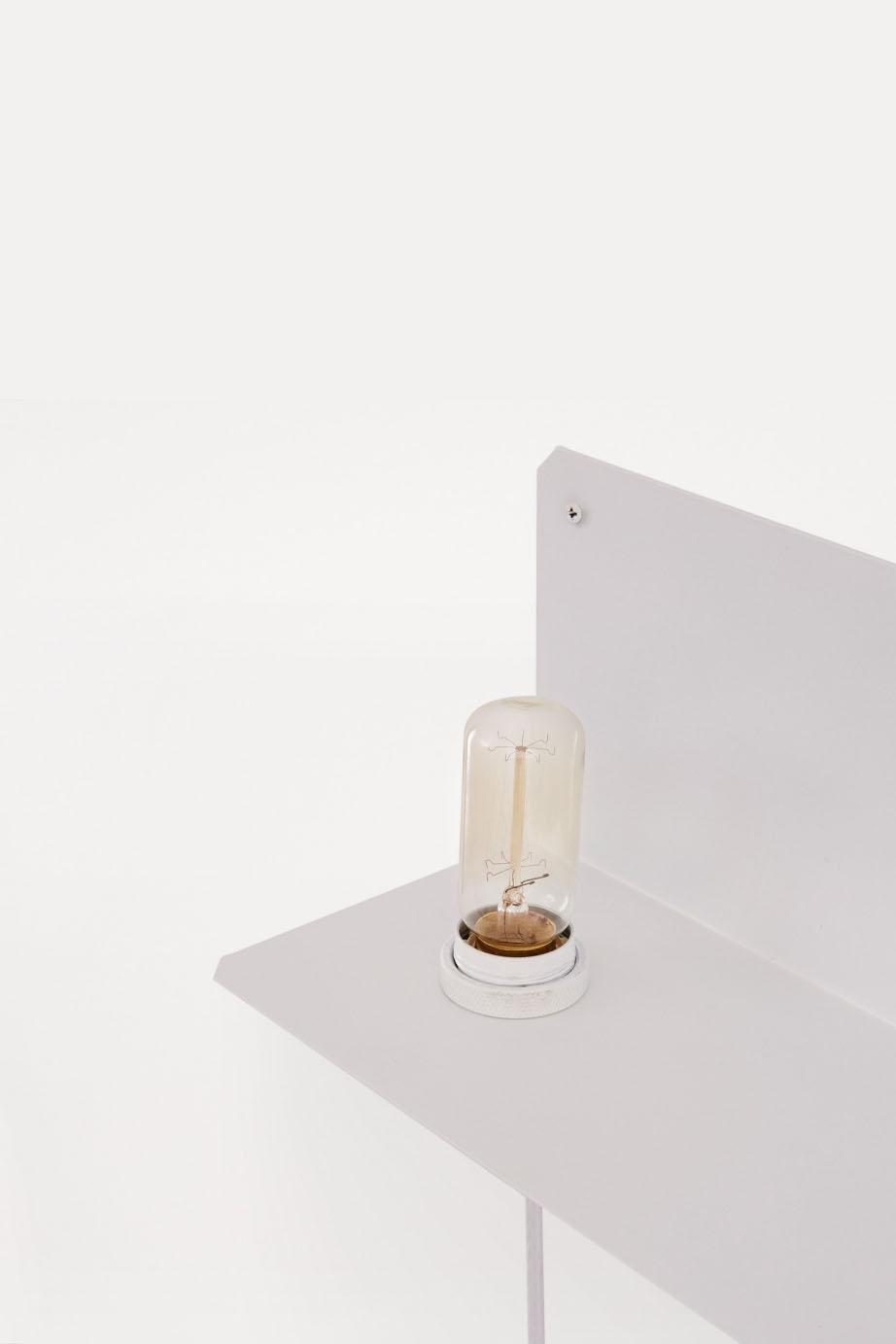 Frama 90° Wall Light White