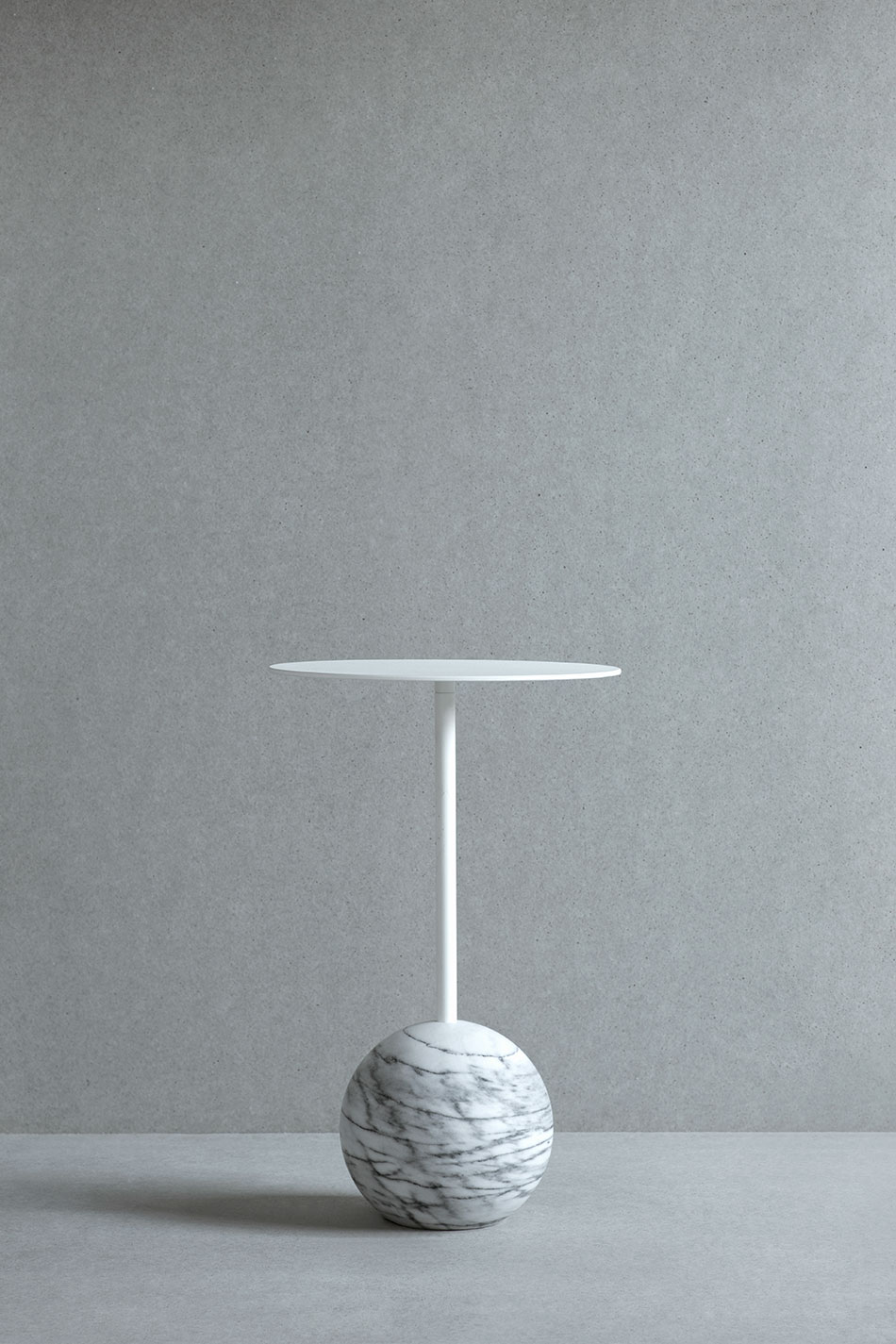 Sidobord Knock Out Round White Marble