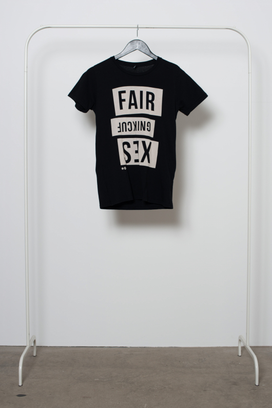 Reused T-shirt Fair Fucking - Svart - S