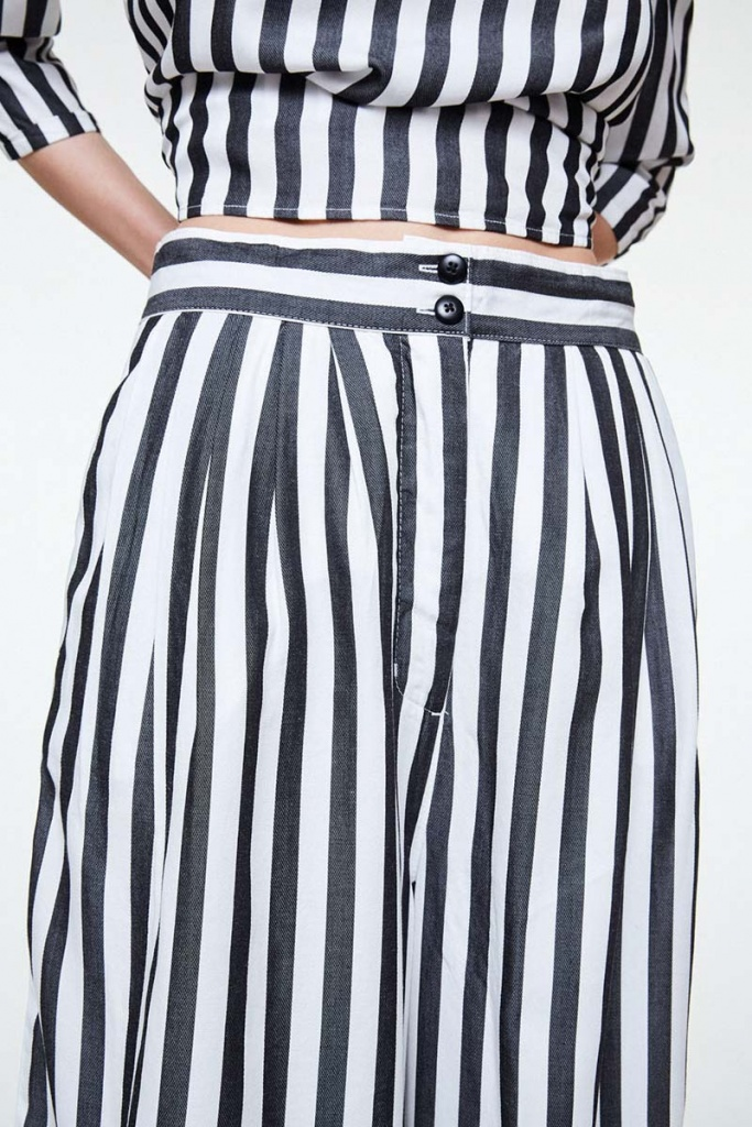 Jonnaa Big Stripes - Black