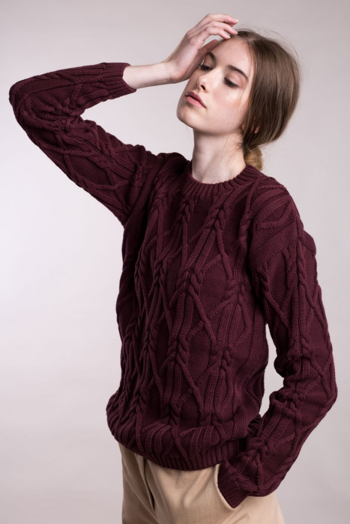 Knitted Aran Pullover Low Neck - Burgundy