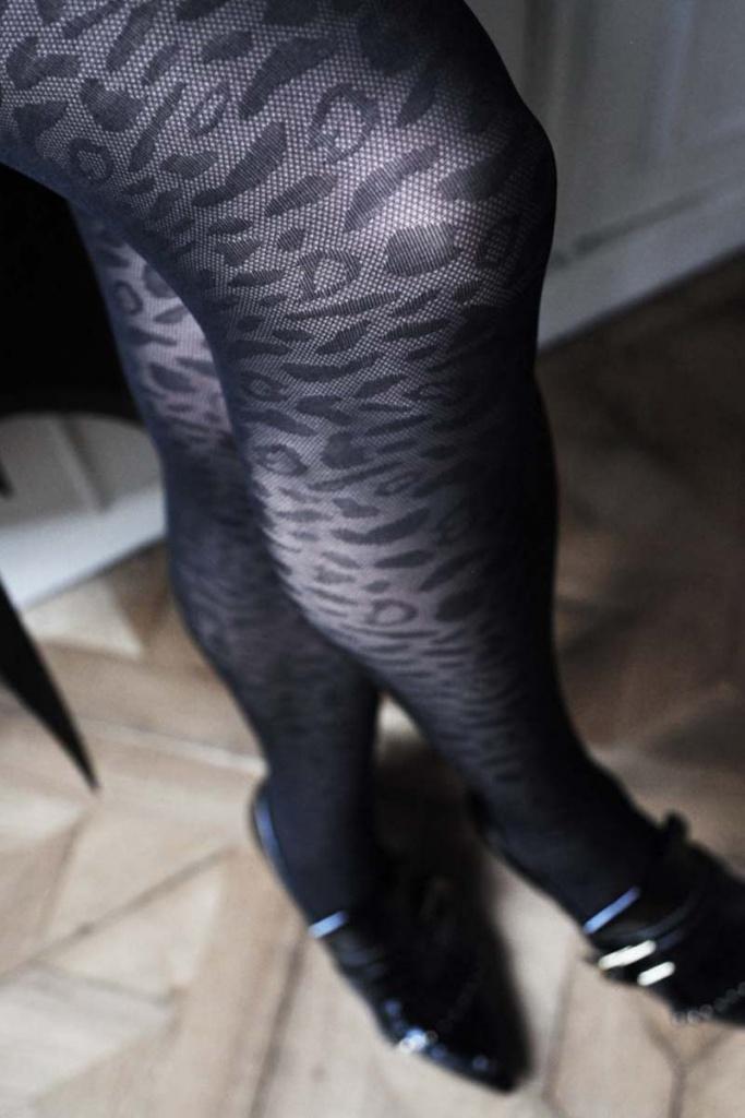 Emma Leopard - Black